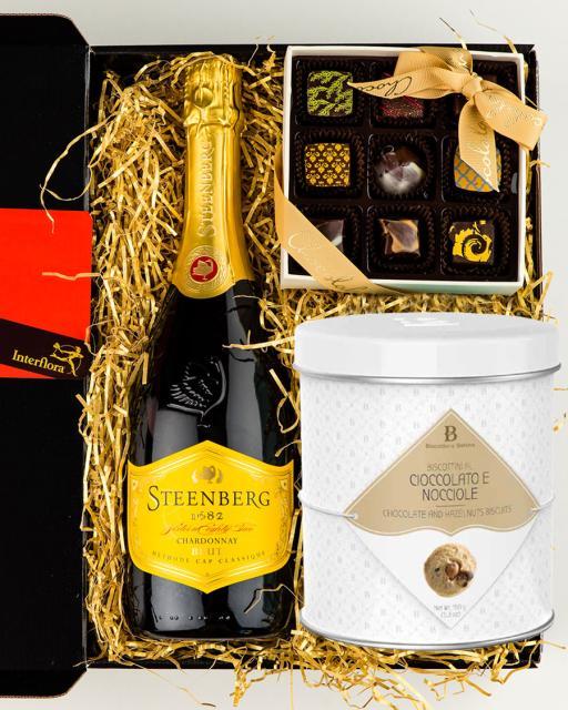 Steenberg Chardonnay Brut vahuvein, käsitöökommikarp ja gurmeeküpsised