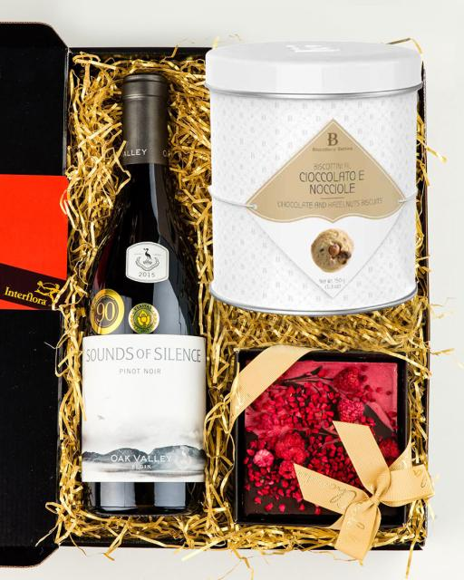 Oak Valley Sounds of Silence red wine, dark chocolate and gourmet cookies