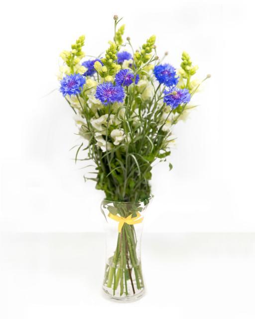 Elegantne segakimp hooajalistest lilledest